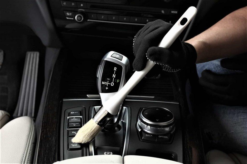 lavage intérieur auto voiture à domicile ou au travail sans eau.jpg